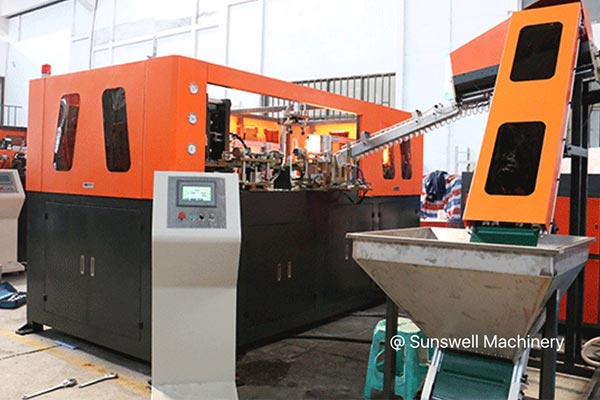 ssw-blow-molding-machine-2